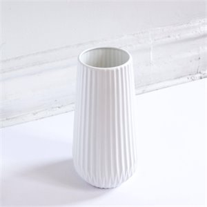 Large ceramic vase - white