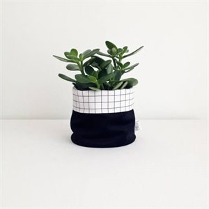 Small basket - black and grid
